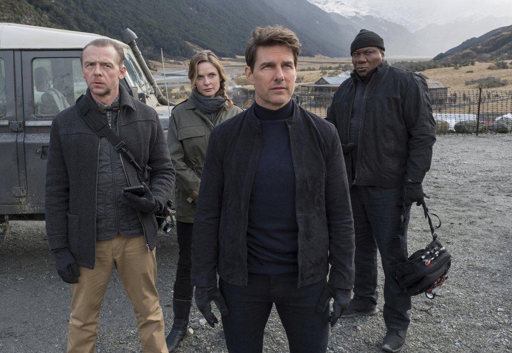 賽門佩格(左)透露「不可能的任務」最新續集要在9月復拍。圖/摘自imdb