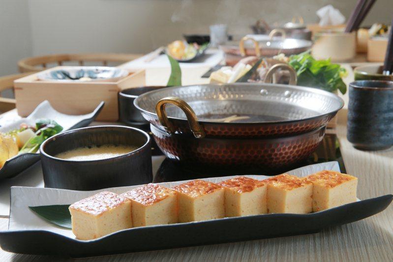 「謙一名鍋」的湯頭其實來自星餐廳「謙安和」。記者許正宏/攝影
