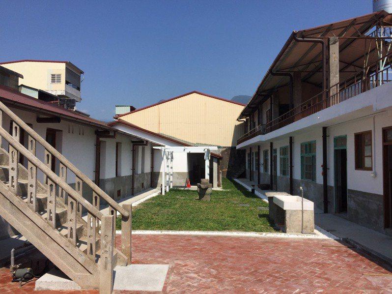 修復後的「洪稇源商號」中庭。圖/高雄市都發局提供