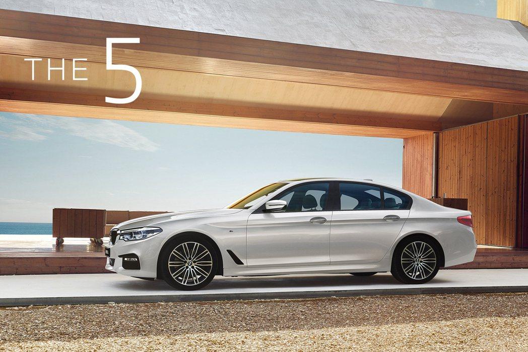 全新BMW 5系列白金旗艦版現正提供3年0利率尊榮租賃專案。 圖/BMW汎德提供