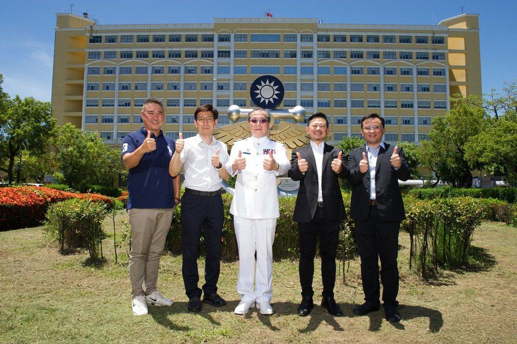 創鈺國際與台灣微軟合作佈建於國軍高雄總醫院左營分院的「精準定位防疫系統」正式啟用...