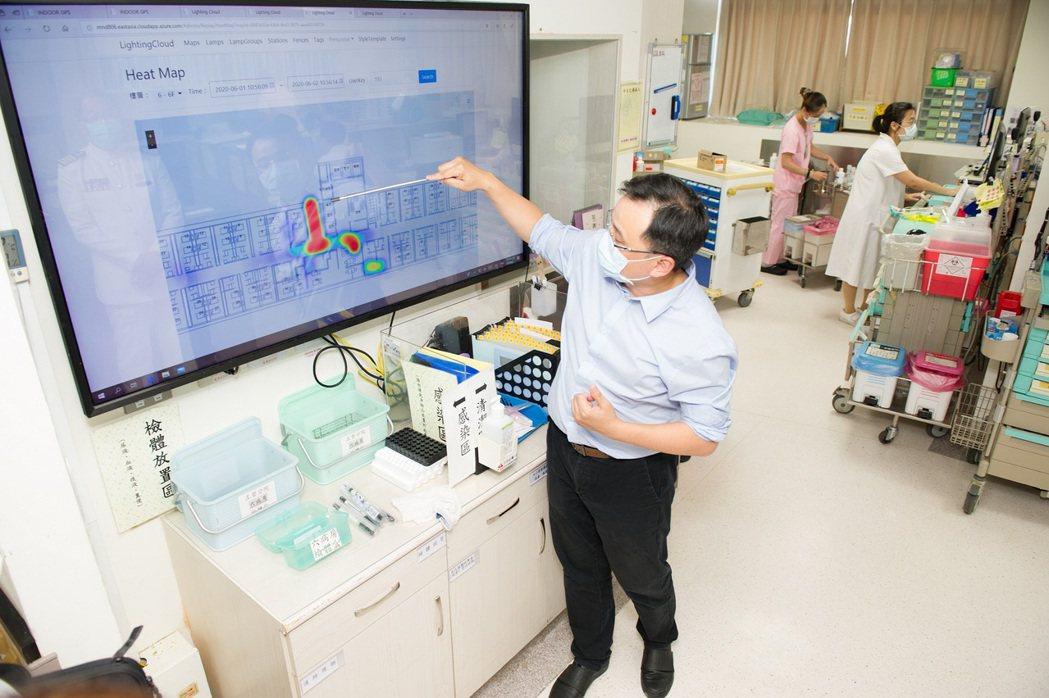 精準定位防疫系統可清楚記錄醫護人員及勤務人員的接觸史、接觸時間、行動區域及行進軌...