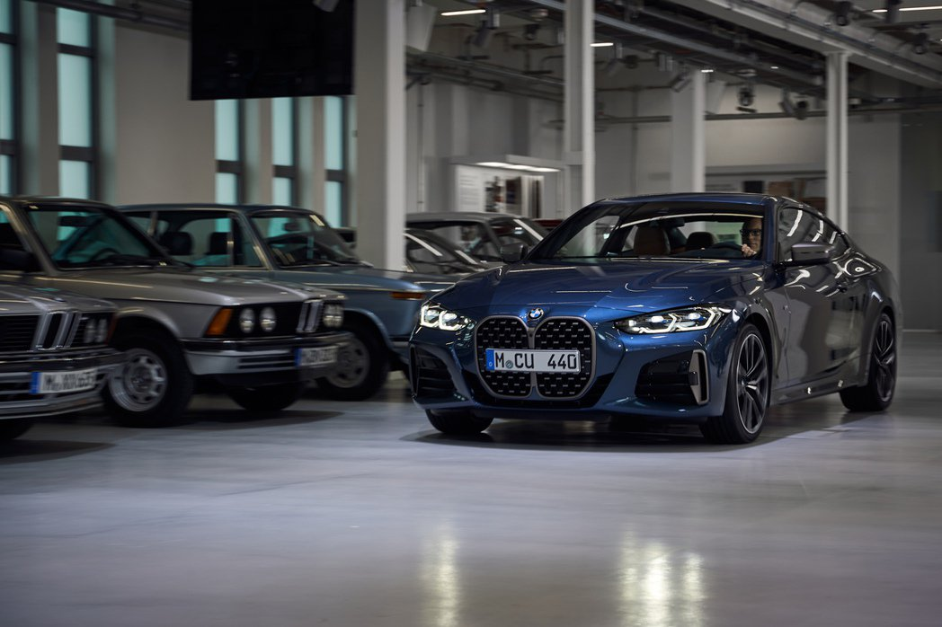 第二代BMW 4 Series Coupe預計將於今年十月開始販售。 摘自BMW