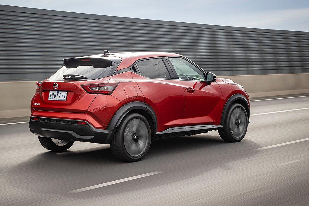 全新第二代Nissan Juke搭載1.0L直列三缸渦輪增壓引擎,可輸出115h...