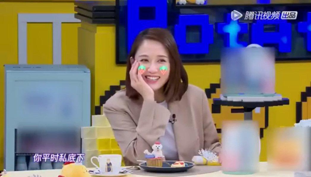 陳喬恩談到戀情甜蜜蜜。圖/擷自微博