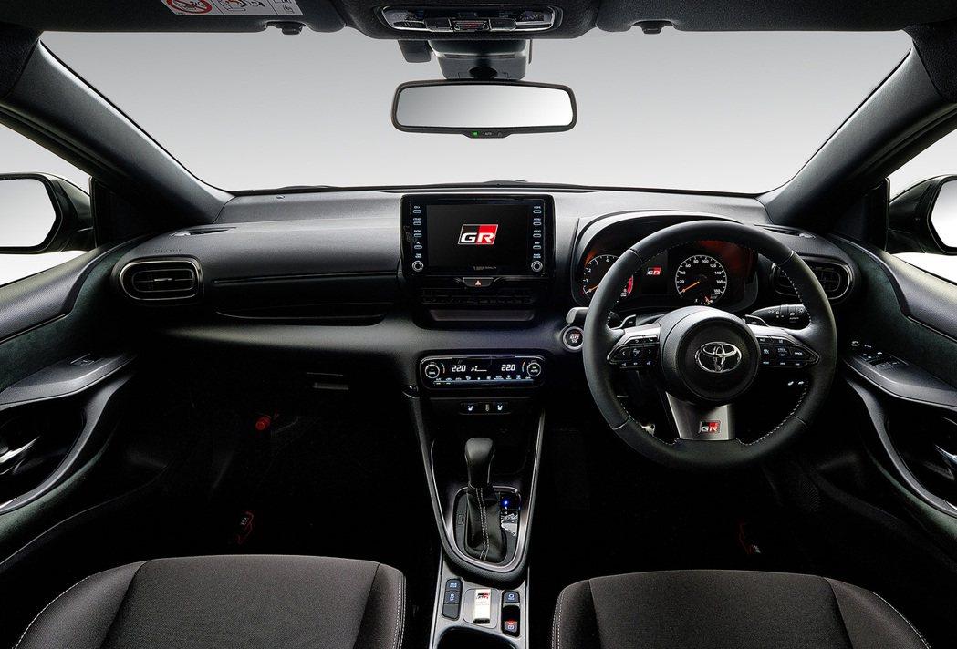 入門RS車型則採用1.5升直列三缸引擎搭配Direct Shift-CVT變速箱...