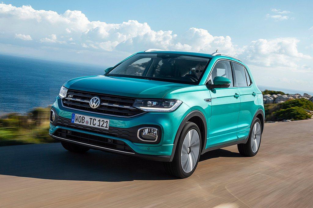 下載My Volkswagen APP並且成功註冊Volkswagen ID 、...
