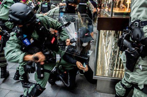 如果「反抗政府」很危險,那「服從政府」就不危險嗎?