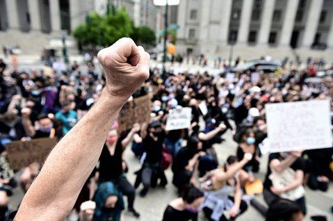 「公民不服從」違法,但該受罰嗎?