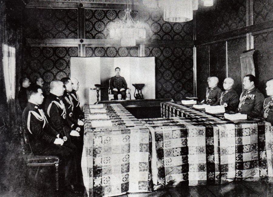 著名的日本「大本營發表」在二戰末期時根本就是把事實完全相反地傳達給日本軍民。圖為...