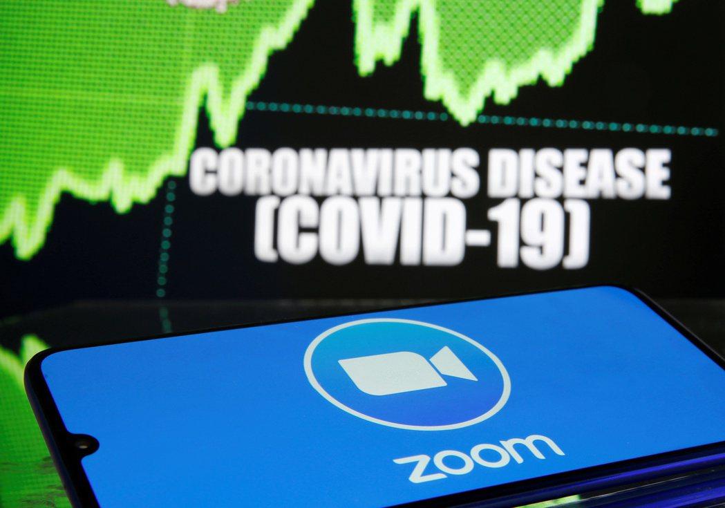 視訊會議軟體Zoom今年來股價大漲2倍。 (路透)