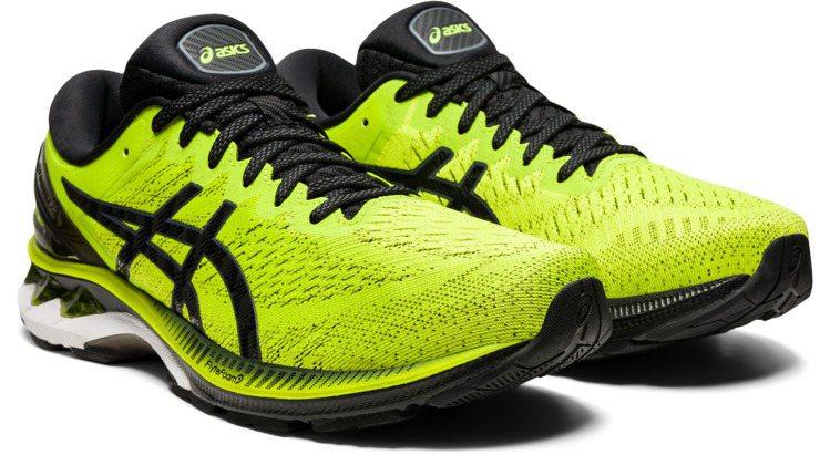 GEL-KAYANO 27男款超寬楦慢跑鞋4,980元。圖/ASICS提供