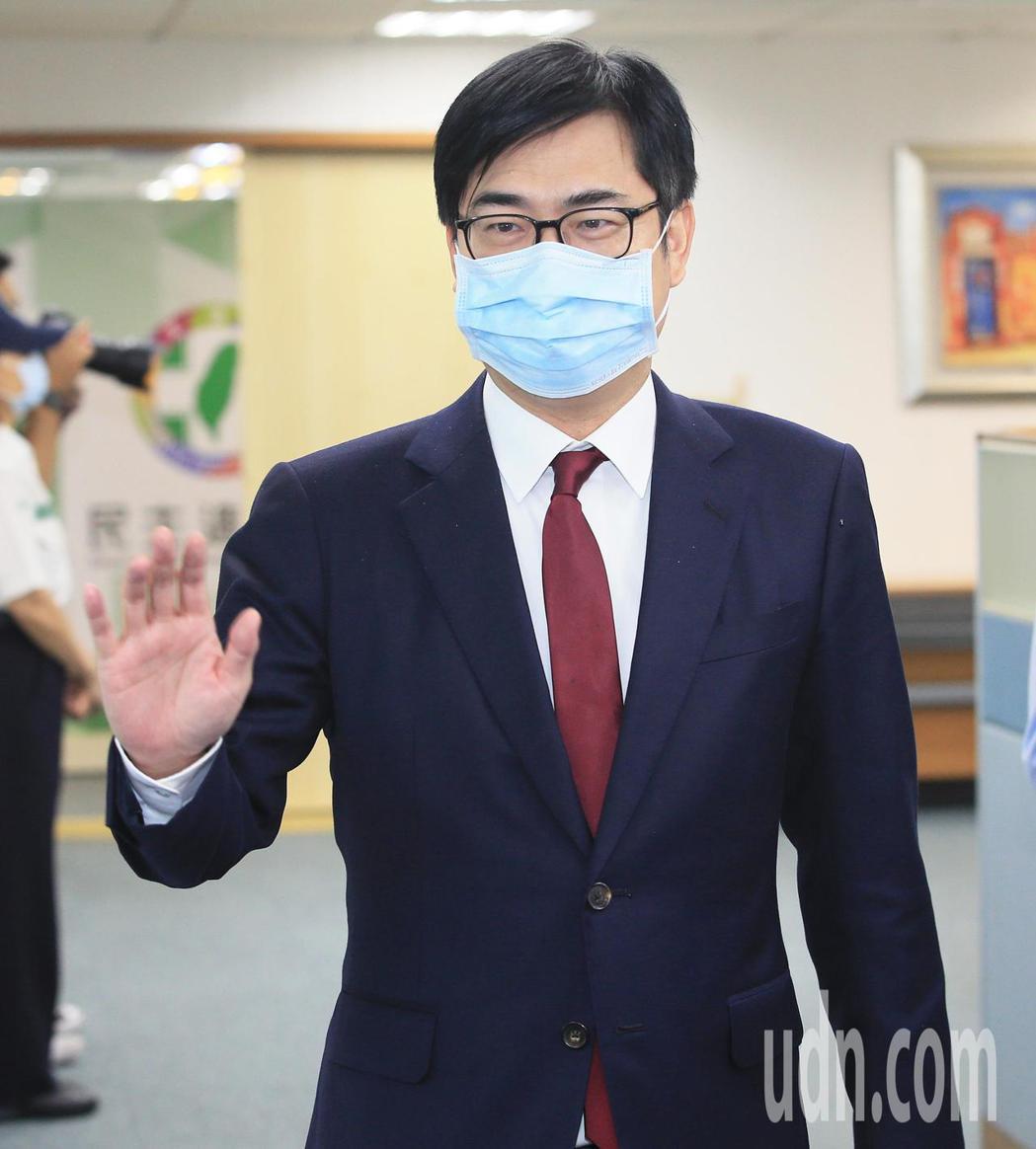 行政院副院長陳其邁今天表示,六月六日罷韓他會回高雄投票。記者潘俊宏/攝影