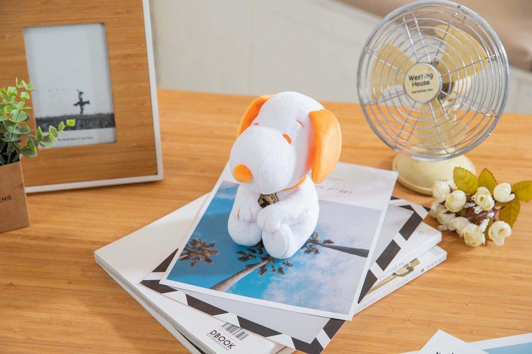 康是美7月8日起消費滿488元可加價購SNOOPY 70周年玩偶,原價499元、...