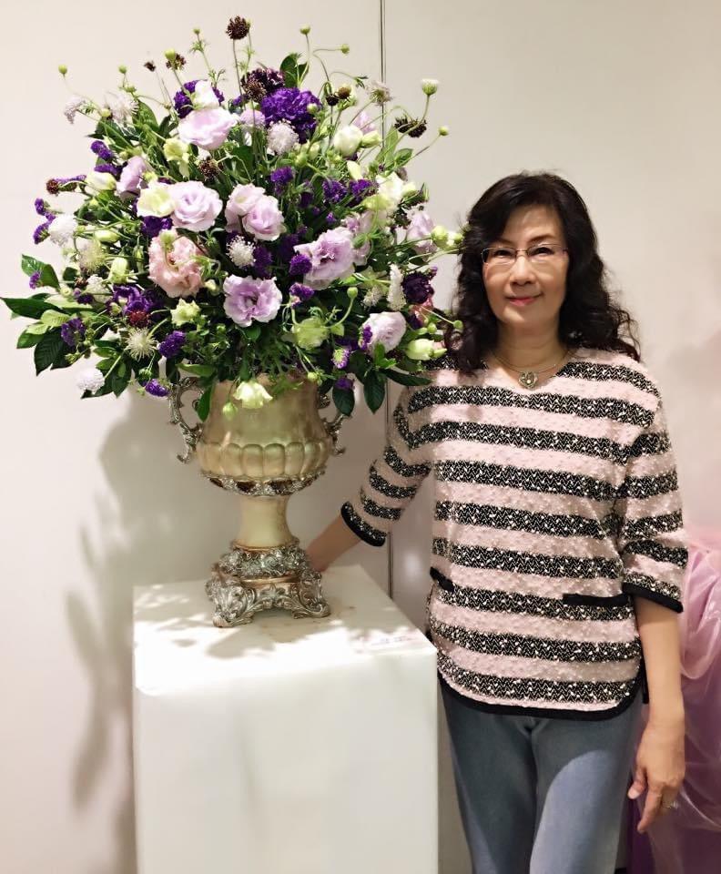 莊慈珍工作之餘喜歡插花,圖為她應邀至新光三越百貨舉辦花藝展。記者唐秀麗/翻攝