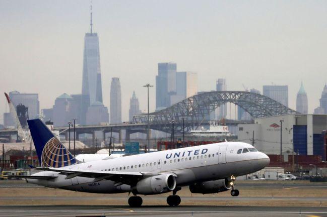 川普政府計劃從6月中旬起,禁止中國大陸客機飛往美國。路透