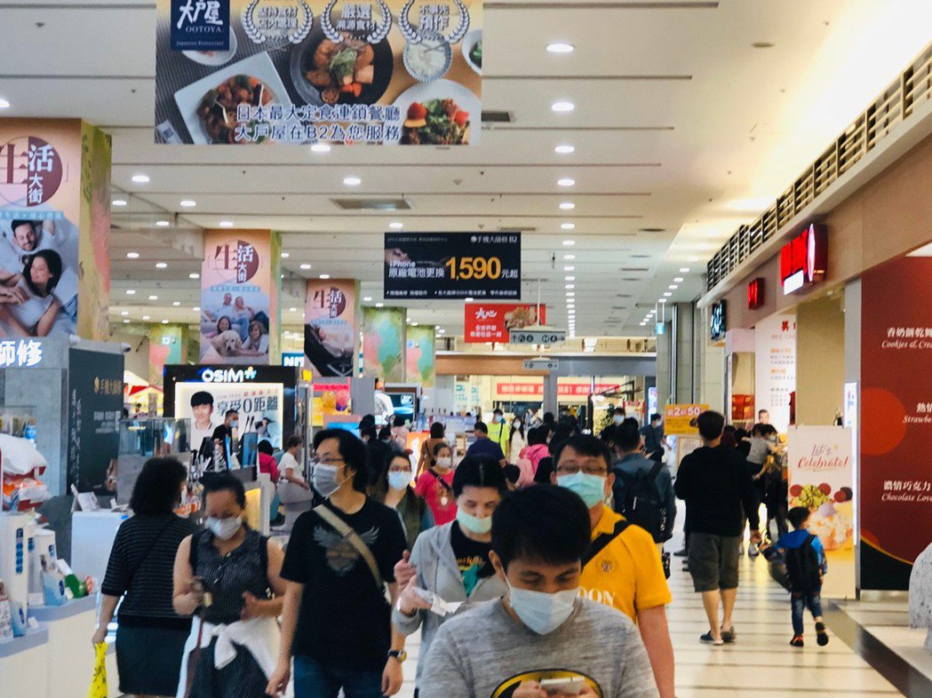 中和環球購物中心雖然沒有捷運抵達,但因為多項特點深受消費者喜愛。圖/環球購物中心...
