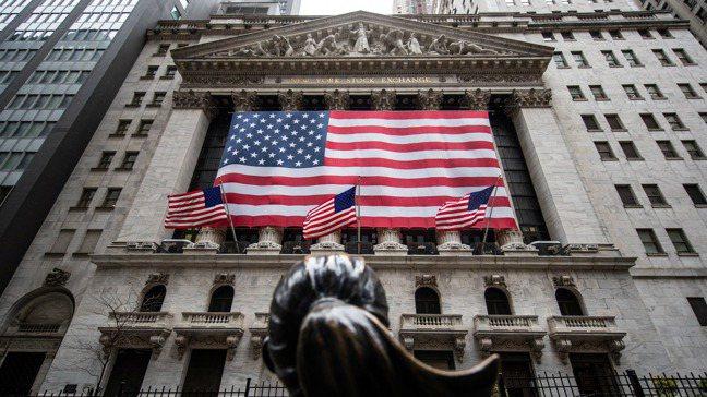 美股標普500指數最近九個交易日累計大漲近6%。 路透
