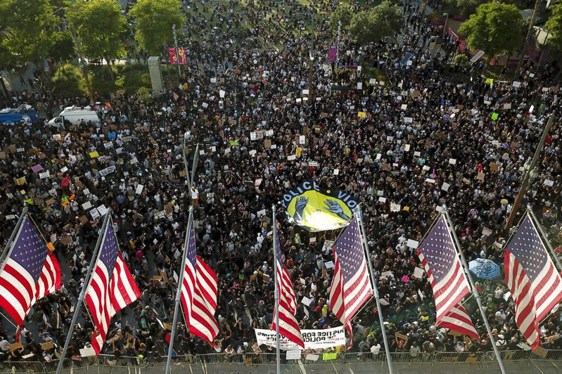 美國因佛洛伊德之死,多城市暴發抗議活動。 圖/美聯社