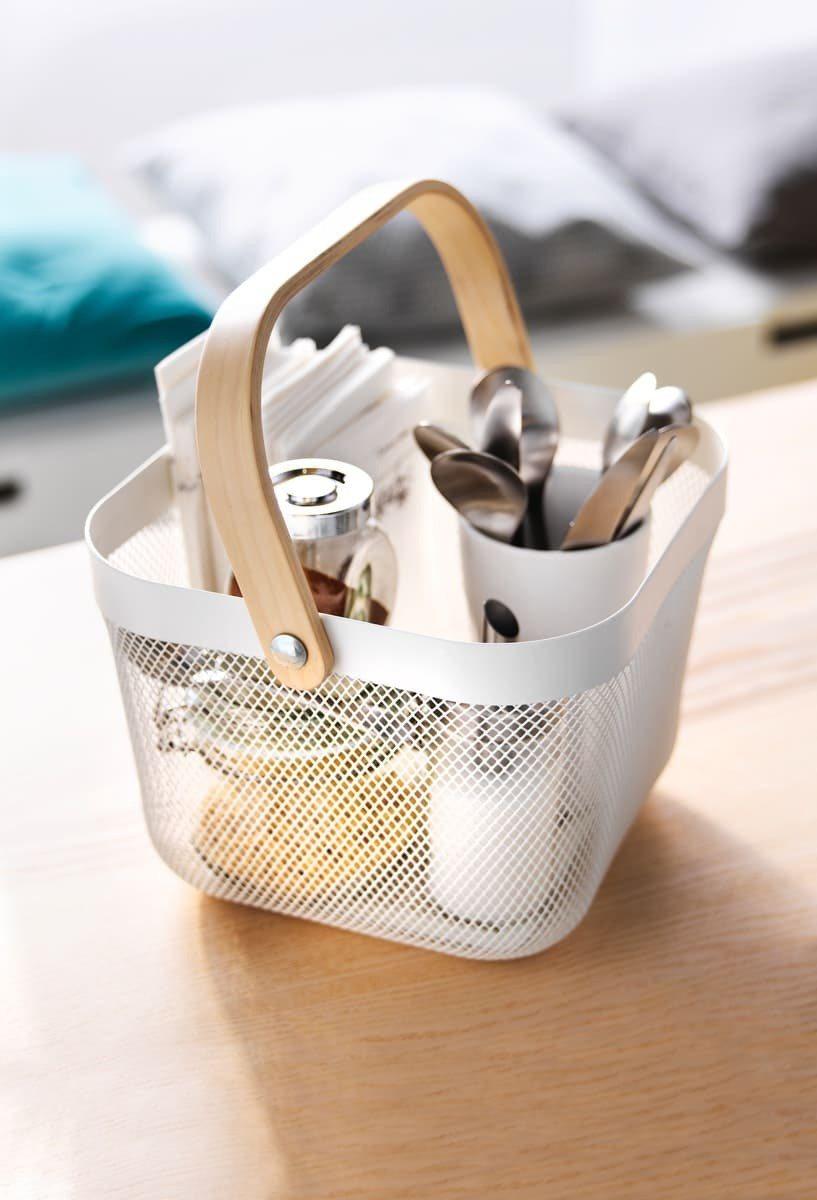 RISATORP置物籃有多種顏色可選擇,適中的尺寸大小可應用於各式空間,一物多用...