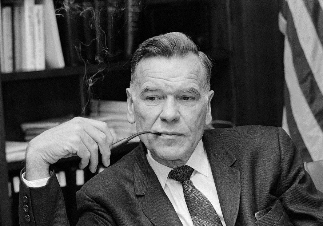 圖為KSU校長懷特攝於1971年,懷特對於國民兵鎮壓的行動表示「事前完全不知,一...