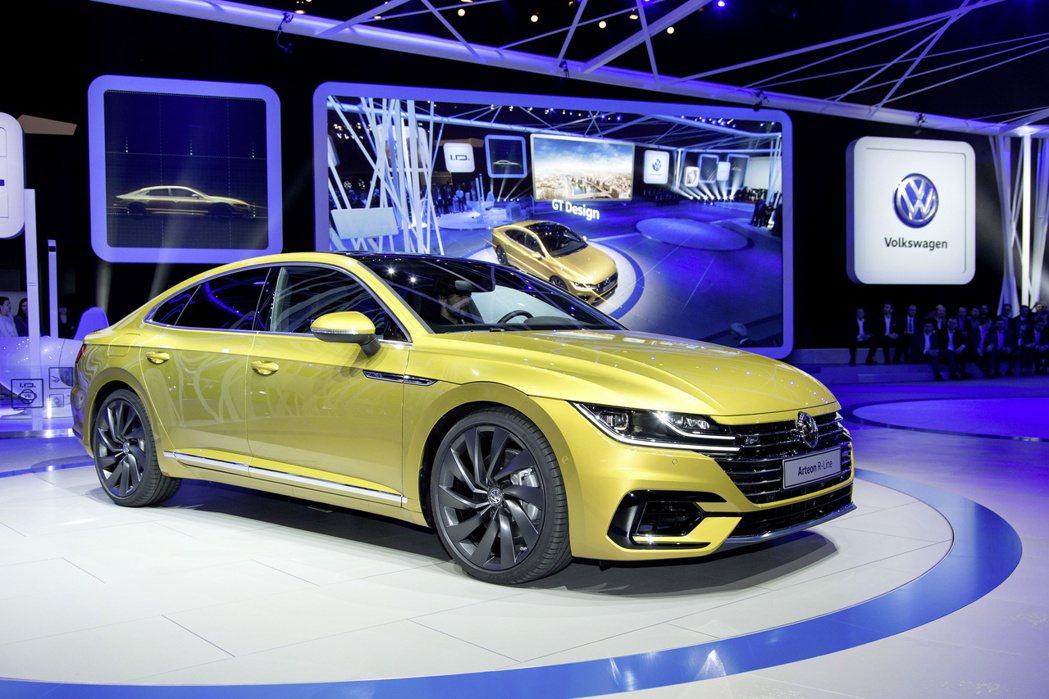 問世三年多的Volkswagen Arteon將於六月底發表小改款車型。 摘自V...