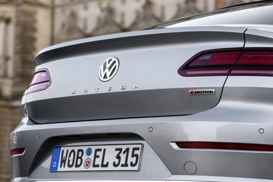 Volkswagen Arteon是福斯的四門斜背轎跑車。 摘自Volkswag...