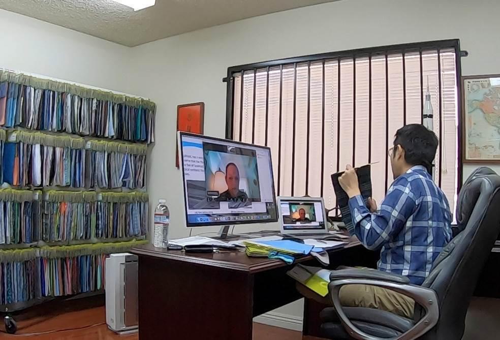 臺灣業者與國際品牌買主視訊商洽。 紡拓會/提供