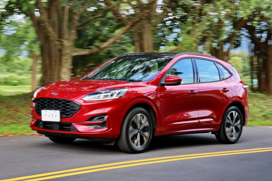 Ford Kuga EcoBoost 250 ST-Line在AWD加持下,整體...