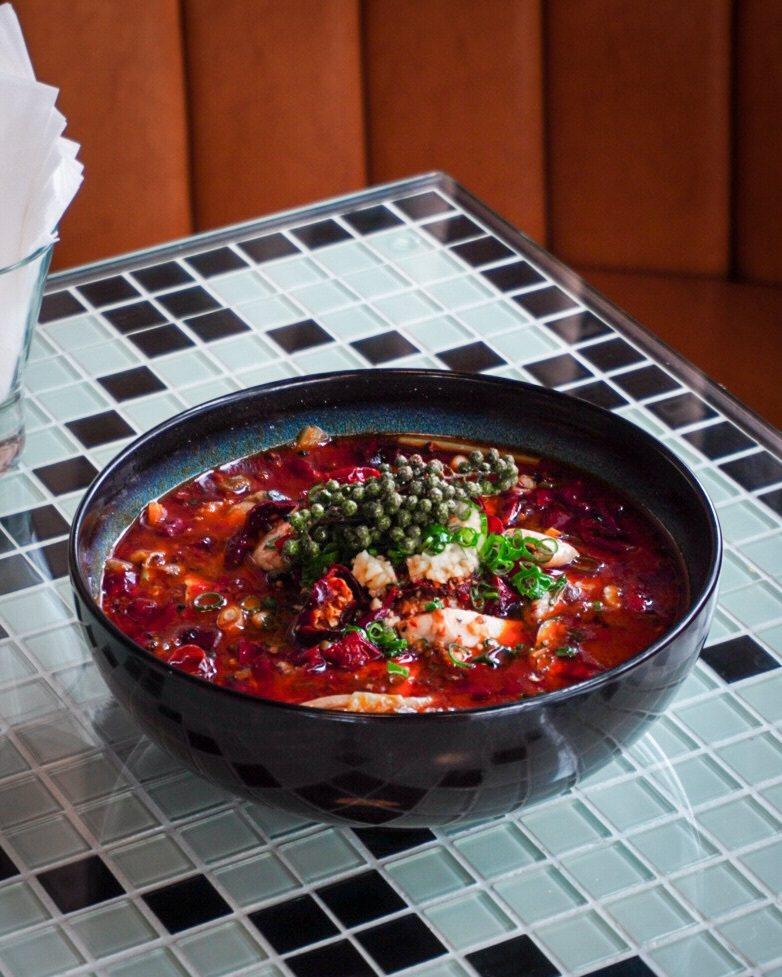 新派川菜《PACKIE銀杏川酒菜館》,將送出的是每位到訪顧客必點的「川香水煮魚」...