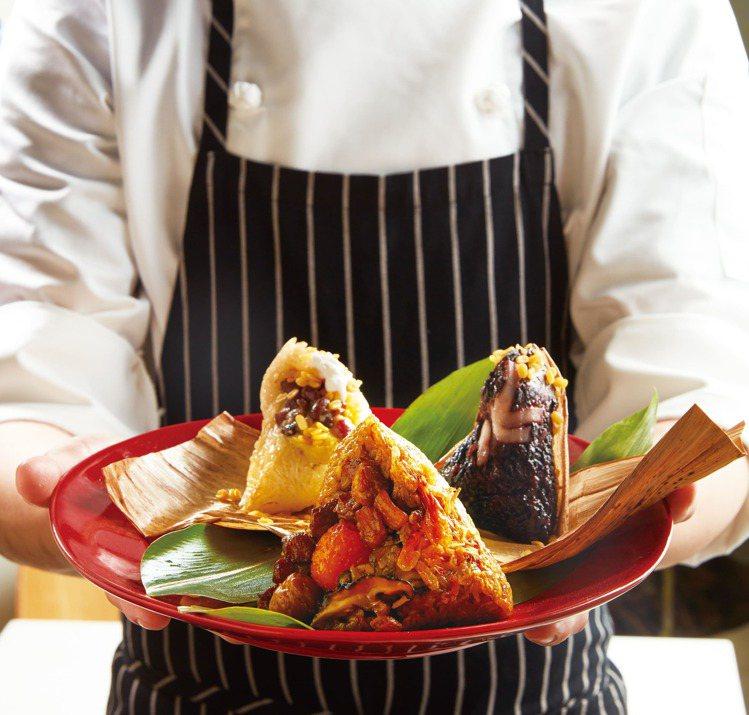 瓦城於端午節推出鹹甜「雙香粽禮盒」。圖/瓦城提供