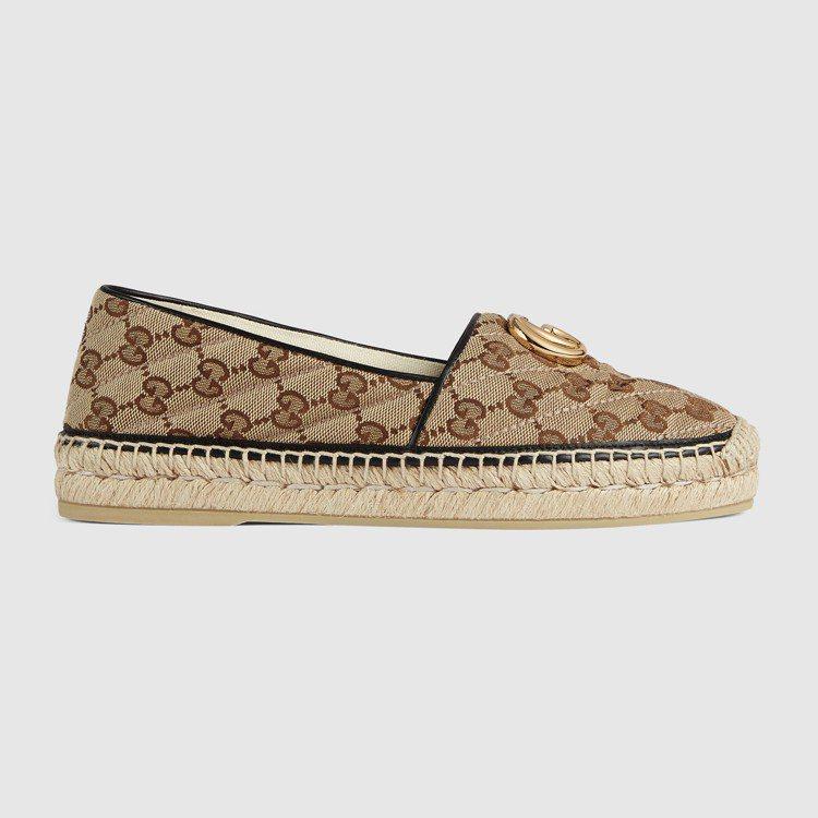 雙G Logo草編鞋,21,600元。圖/GUCCI提供