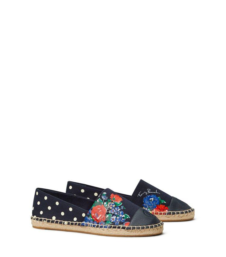 草編鞋,8,290元。圖/Tory Burch提供