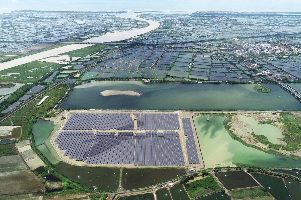 光嘉義鹽業用地光電案場鳥瞰圖。寶島陽光/提供