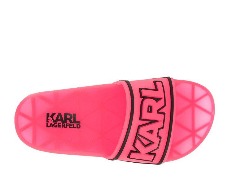 KARL LAGERFELD粉色防水拖鞋,2,980元。圖/Weng Colle...