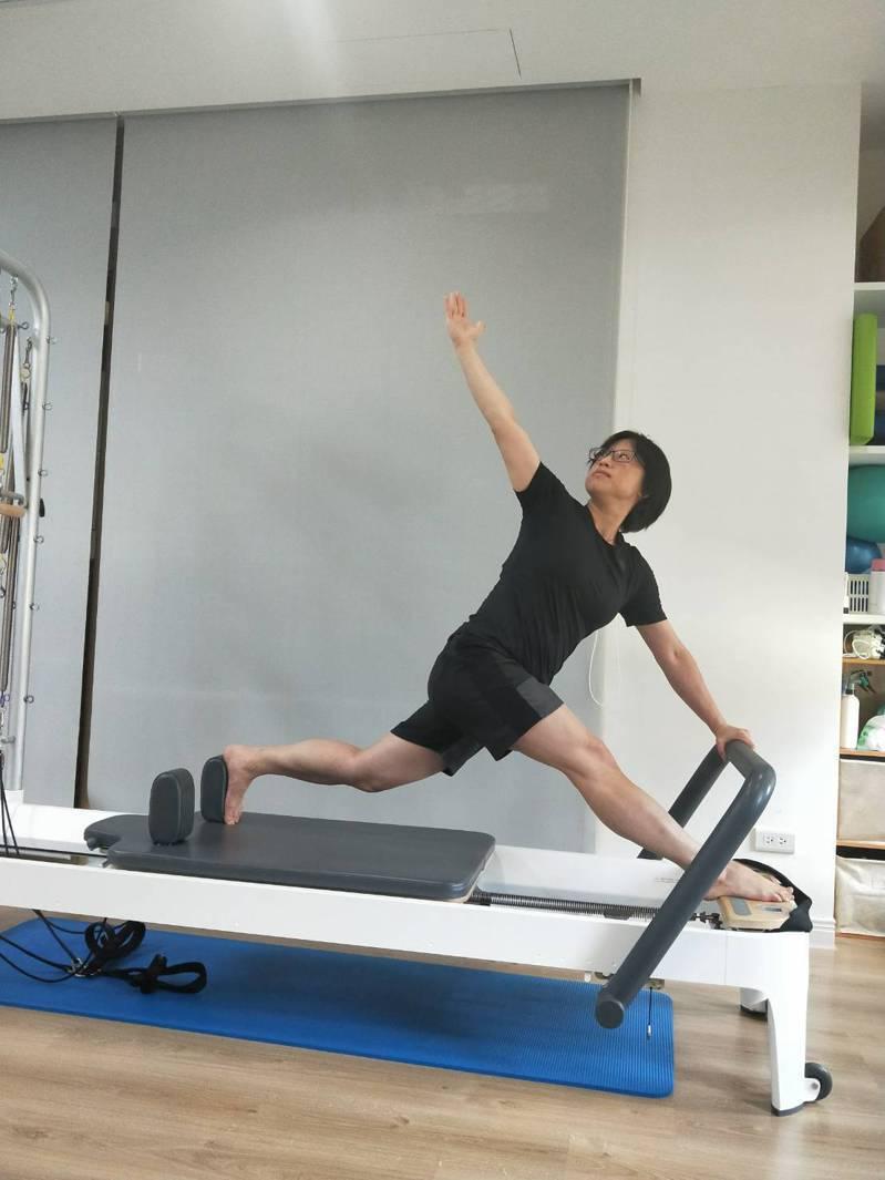 體適能包括肌力、肌耐力、柔軟度、心肺功能。圖/凃俐雯提供