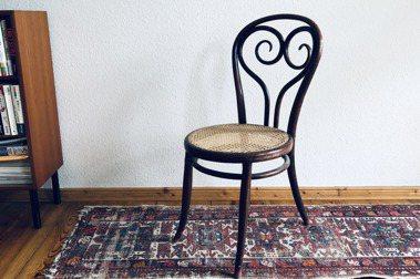 【許育華的戀物集】經典咖啡館椅:NO.14