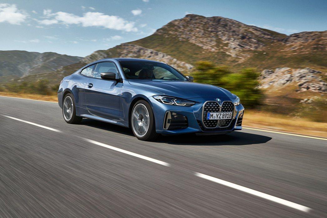 新世代BMW 4 Series Coupe (G22) 首度新增了M440i x...