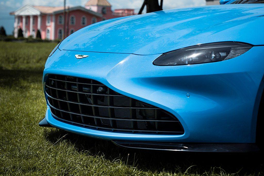Aston Martin Vantage Roadster選用全新21年式亮眼車...
