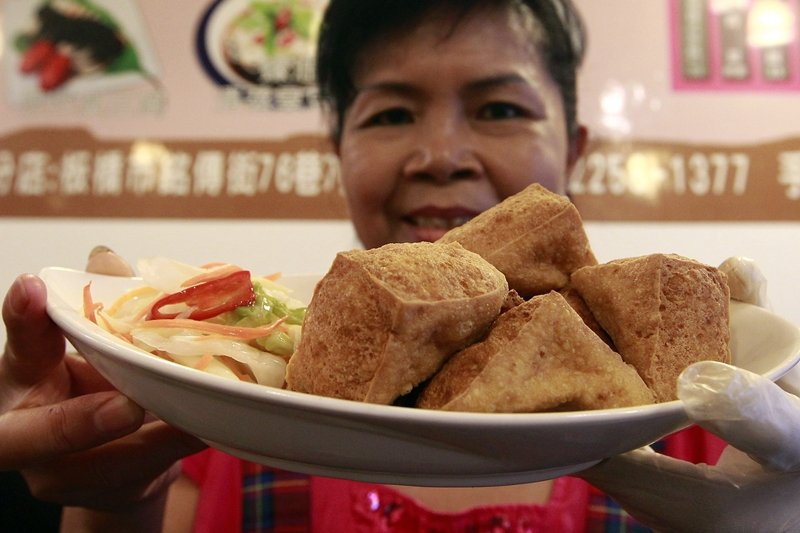 我們對台灣味的認同,在「真」與「假」、「純粹」與「混雜」的二元對立中,讓我們的驕傲裡帶著焦慮。 圖/路透社