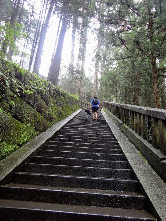 過坂下門登長梯
