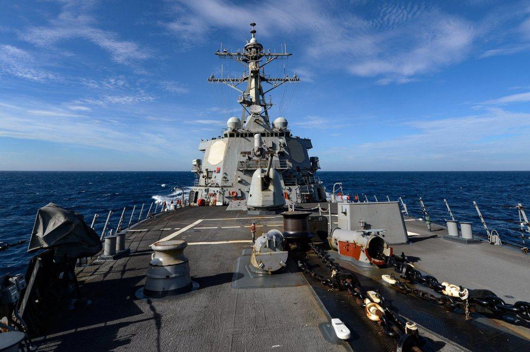 美軍第七艦隊今天(5日)凌晨透過官方臉書粉絲頁貼文披露,神盾級驅逐艦拉塞爾號(U...