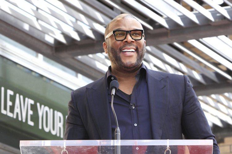 泰勒派瑞幕前幕後一把抓,是美國最會賺的黑人編導演,年收入近億美元。圖/歐新社資料...