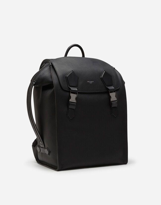 D&G Edge粒紋小牛皮後肩包,售價2,240歐元、約台幣76,966...