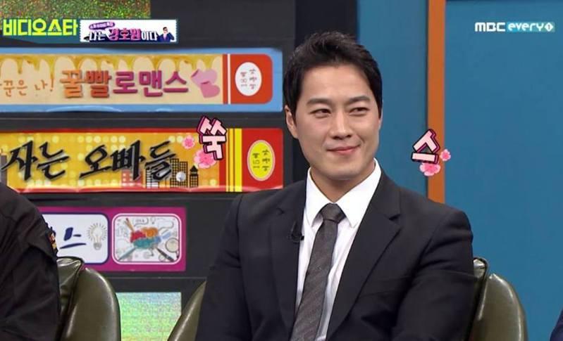 崔英載日前上韓國綜藝節目談家庭生活。(MBC節目截圖)