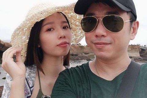 40歲小彬彬梅開三度,他和27歲越南女友「小英」1月已經在越南登記結婚,本預計5月要再飛越南參加台灣辦事處的面試,無奈疫情攪局,只能再順延到9月。最近他上節目聊到求婚,透露小英曾告訴他「有離過2次婚...