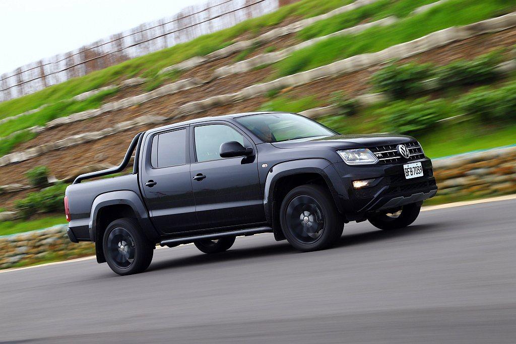 福斯商旅Amarok V6 Black Edition限量在台發售。 記者張振群...
