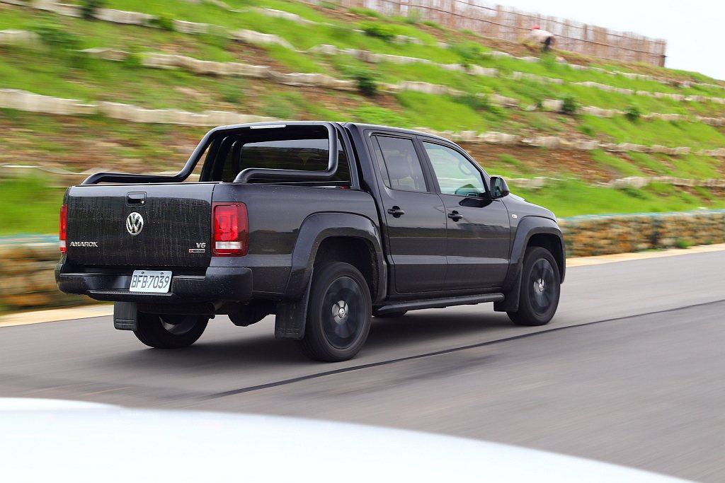 福斯商旅Amarok V6 Black Edition雖然標配ESP電子行車穩定...