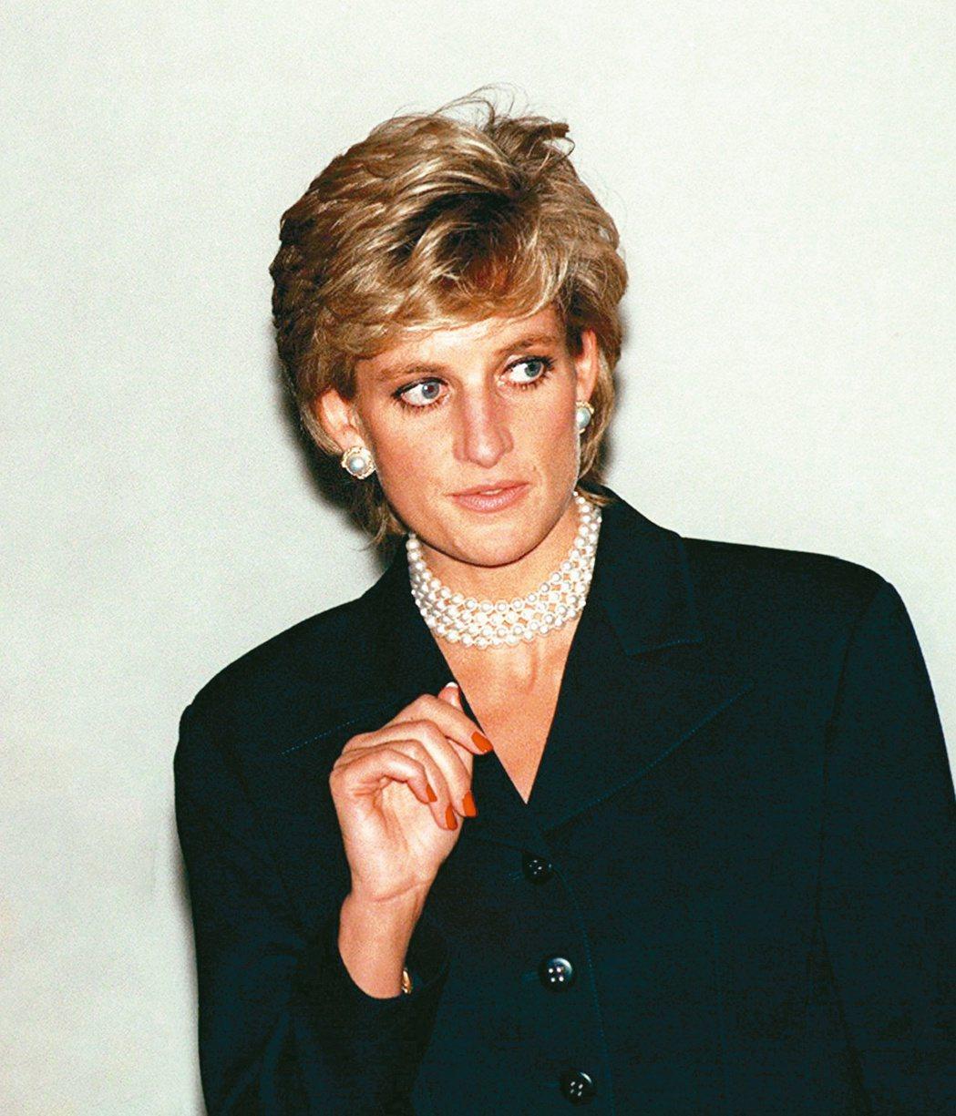 黛妃生前做了財產信託,「願望信」中表明將所有珠寶平分給兩未來兒媳。(路透資料照片...