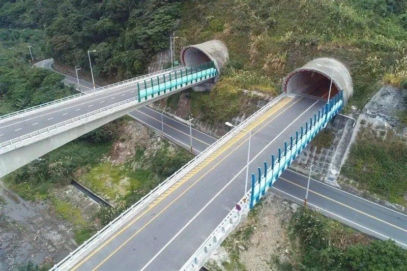 公路總局最快將於端午連假之前一周將蘇花改部分路段及南迴改的最高速限。圖/公路總局...